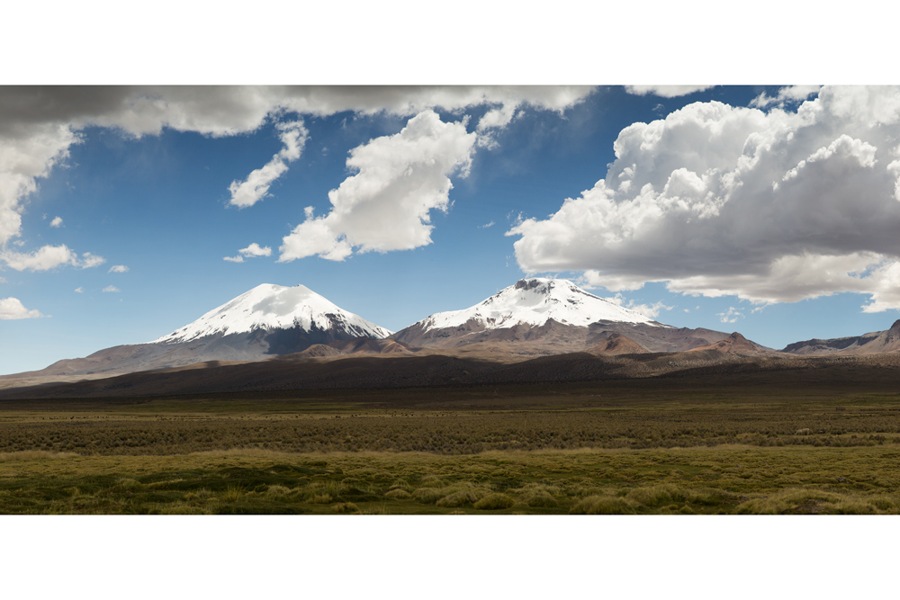 Image of the two volcanoes Parinacota and Pomerape in the Ande